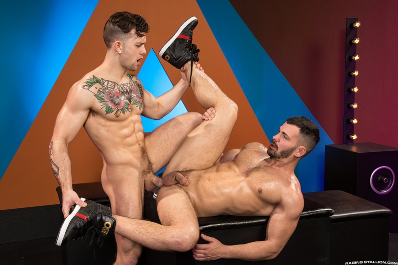 Extreme gay porn category