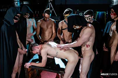 So this no longer has a turning back, one by one semen falls on the brothers on their faces while the kisses become increasingly wet, mixed with the semen of all the participants.
