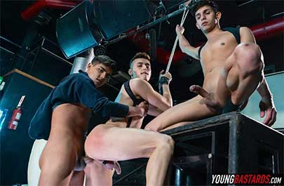 Sonny Davon can't defend himself when rough lads Felix and Fabrice arrive to find him chained up and hanging like a piece of meat. After inspecting the goods and...