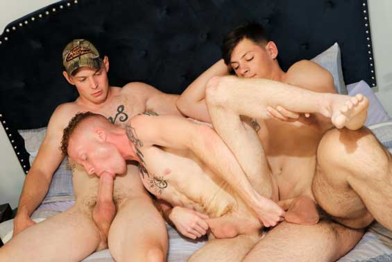 Josiah is dressed to impress but lucky for us, Charlie and Mac are ready to undress him. The musuclar trio of sexy studs suck and fuck each other in this smoking hot Active Duty threesome.